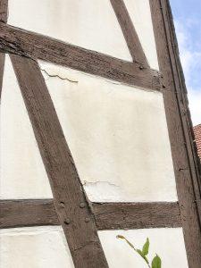 Risse an Fassaden sind im Gutachten zu bewerten
